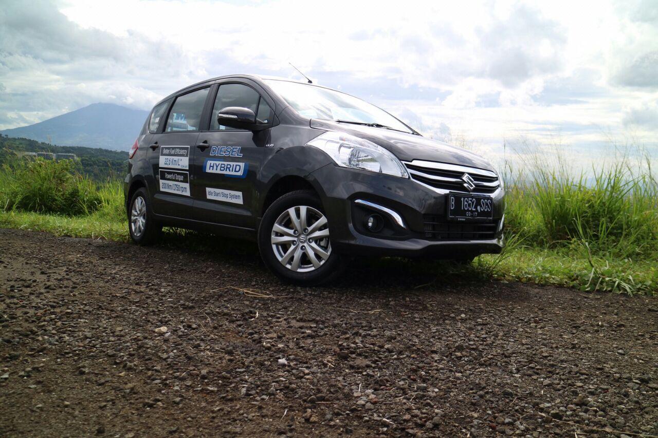 ertiga diesel hybrid - Mobil Suzuki New Ertiga Diesel ready stock