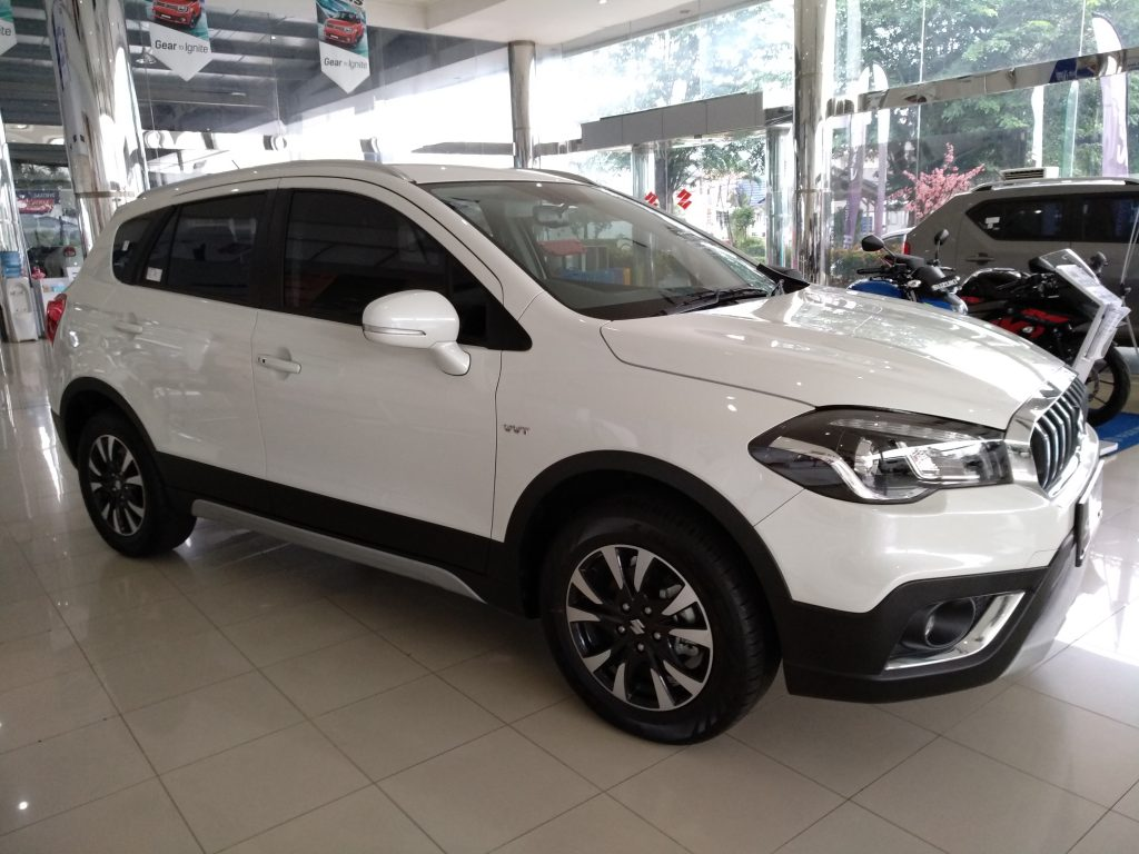 Suzuki Sx4 Scross 2018 tampak samping